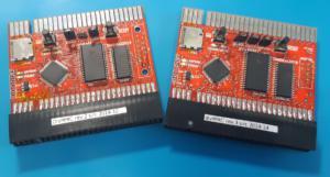 Obrázek 2: vlevo divMMC rev. 2, vpravo rev. 3 s RTC a baterií vespodu